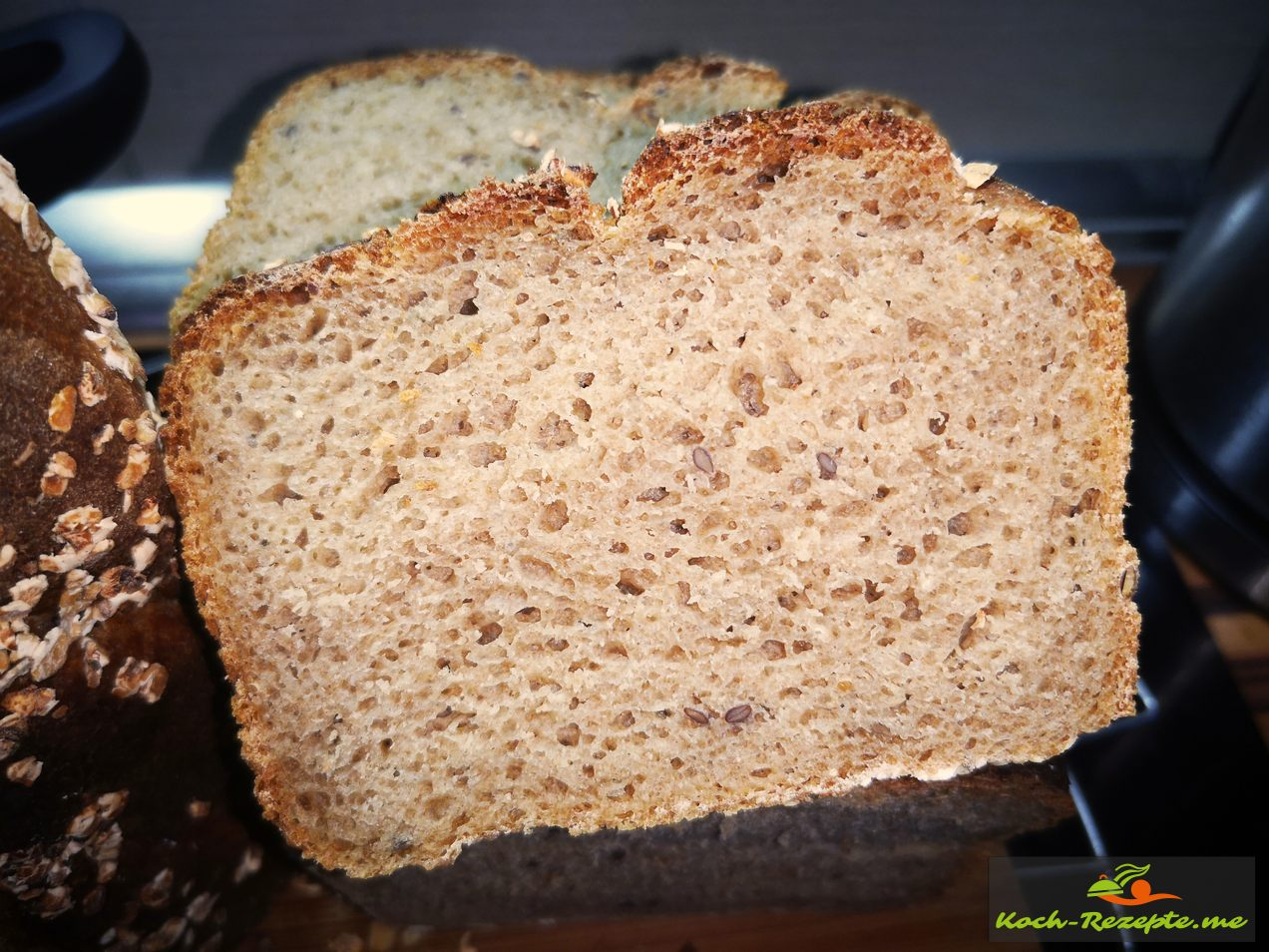 Dinkel-Roggen Brot schnell, gesund und lecker gebacken mit Chiasamen