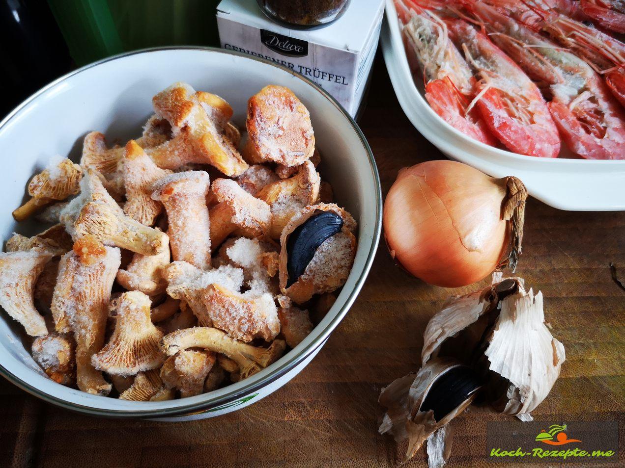 Zwiebeln Pfeffer und Salz
