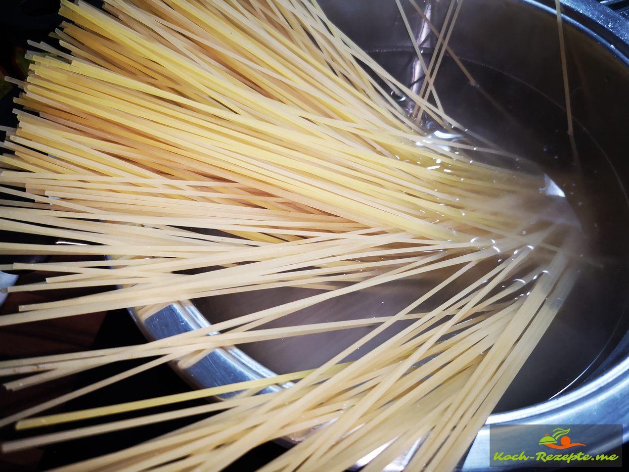 pro Person 70 g trockene Spaghetti kochen
