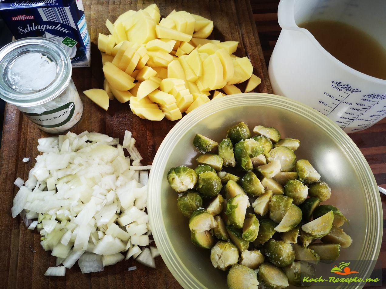 Zutaten Rosenkohl, Kartoffeln, Gemüsebrühe,Zwiebeln, Sahne und Gewürze