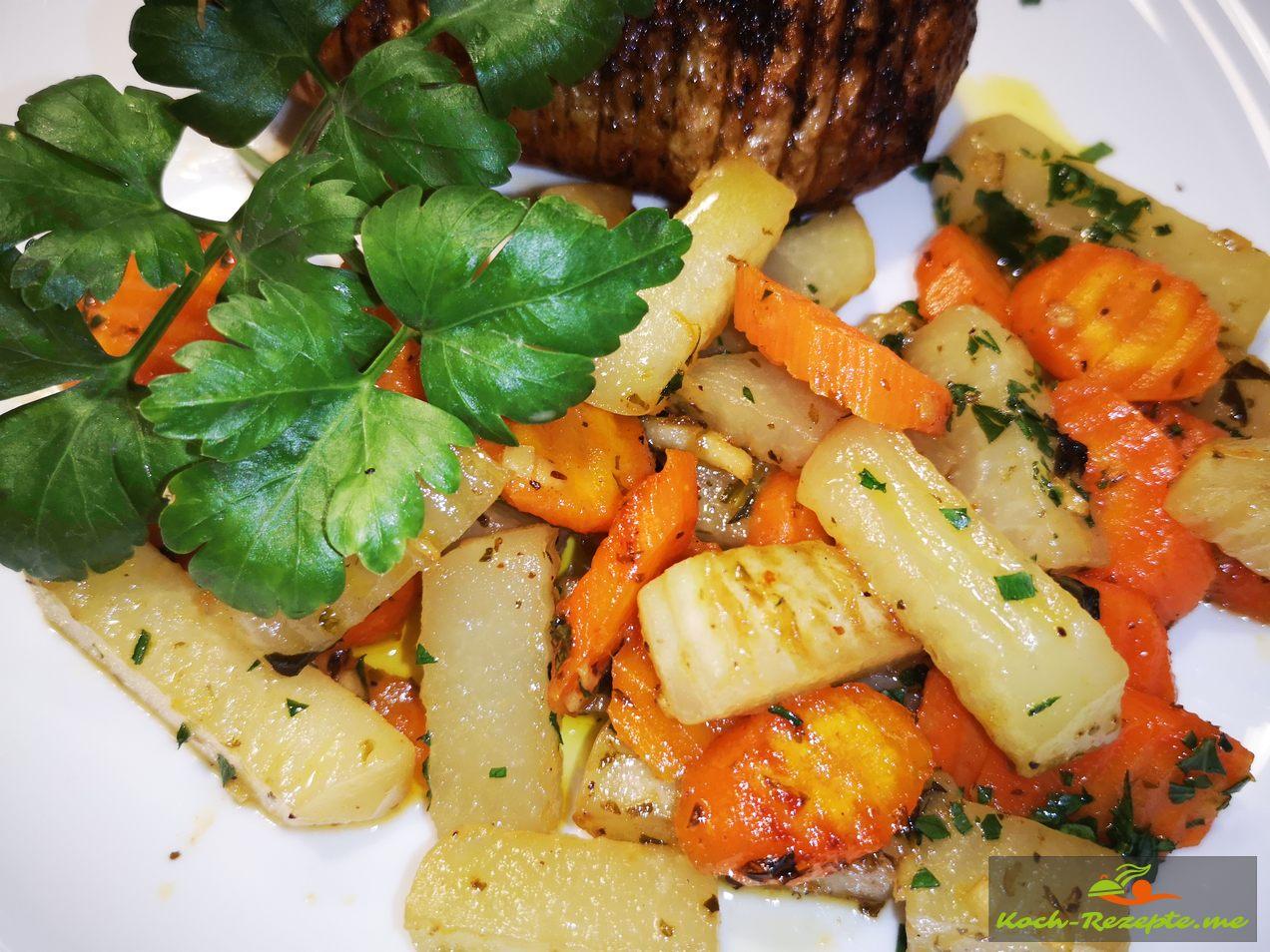 Kohlrabi-Möhren-Gemüse