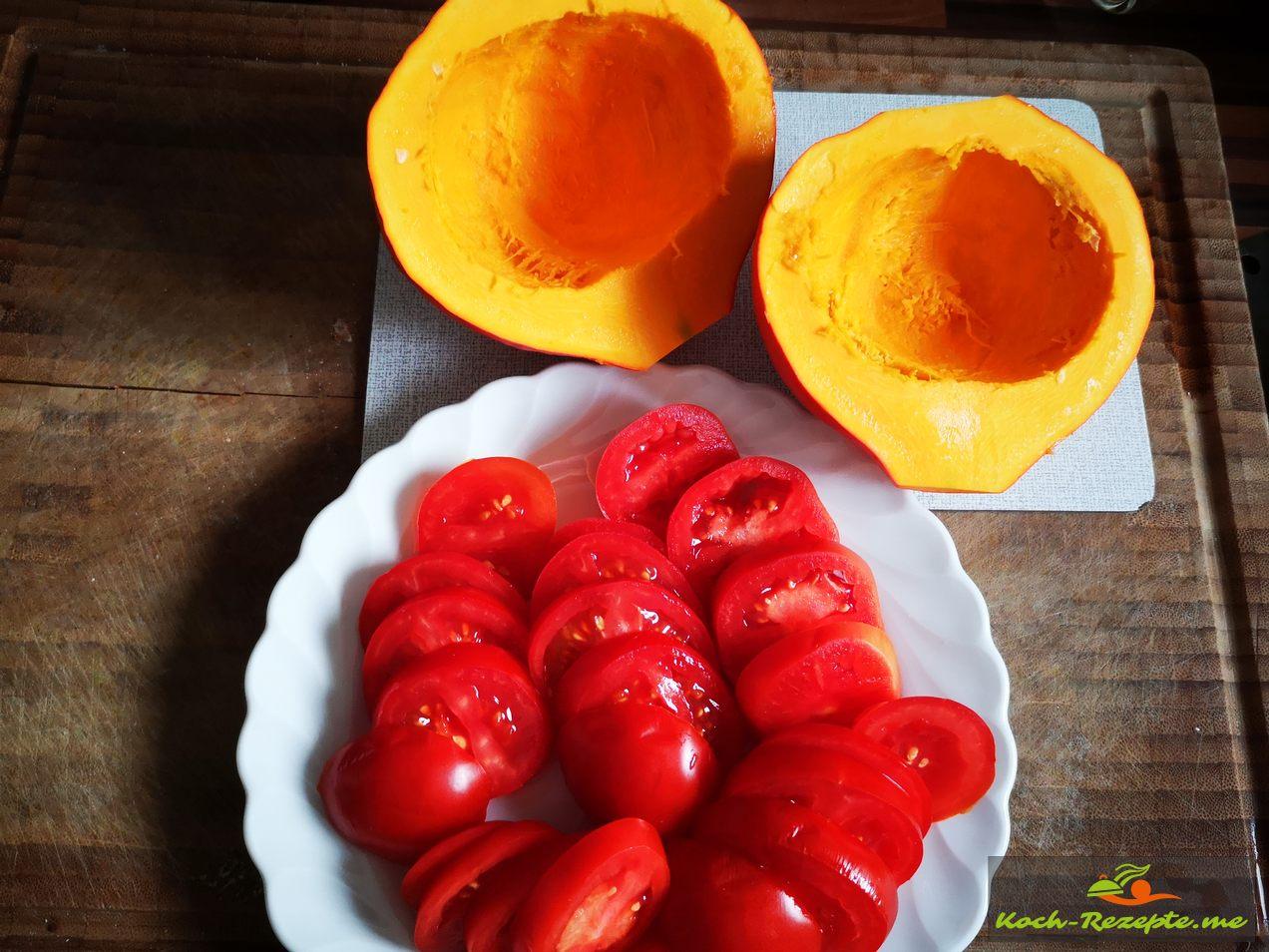 Tomaten und Hokkaido aus meinem Garten geerntet