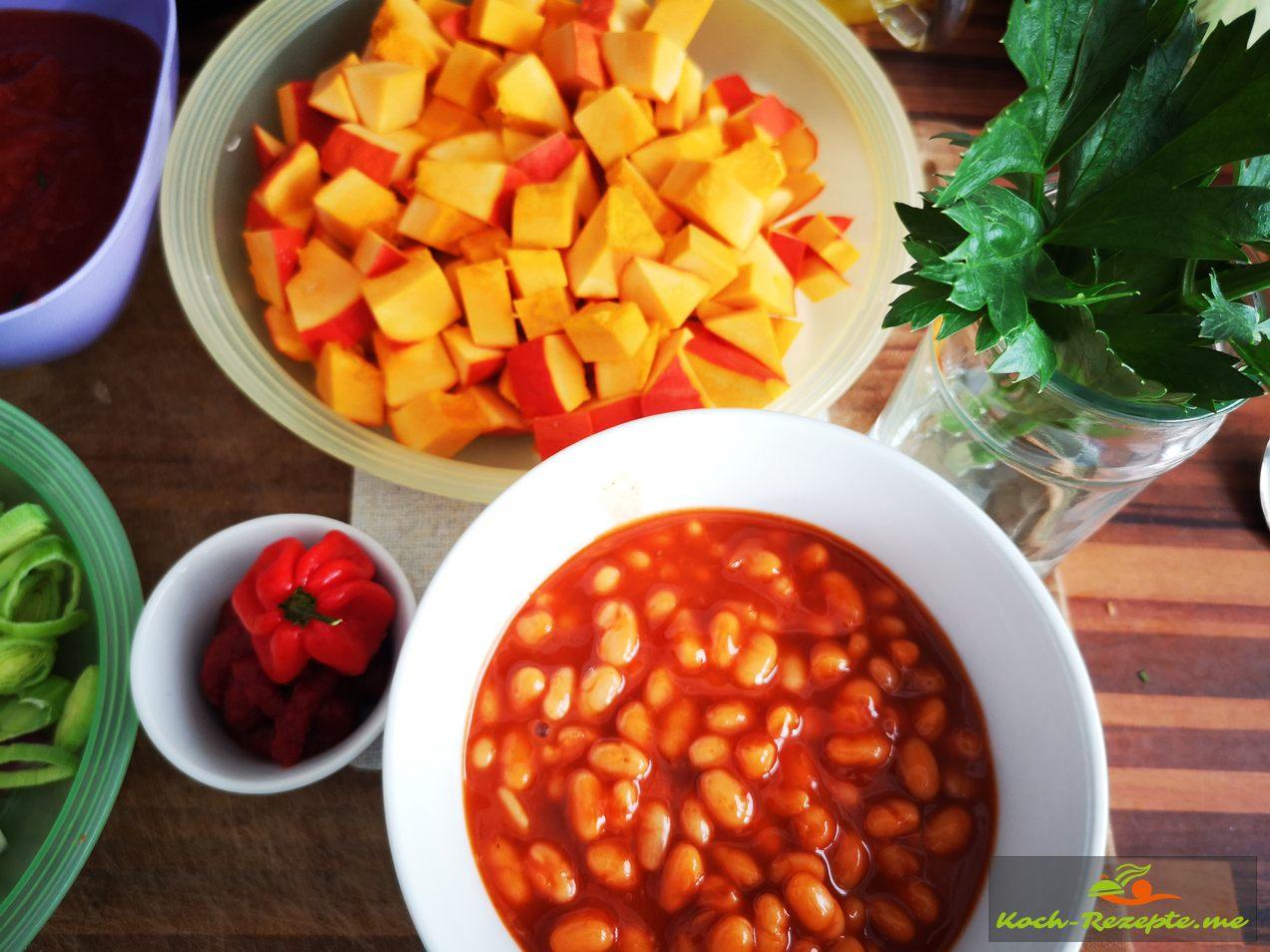 Zutaten geputz und klein gewürfelt und Hot Beans