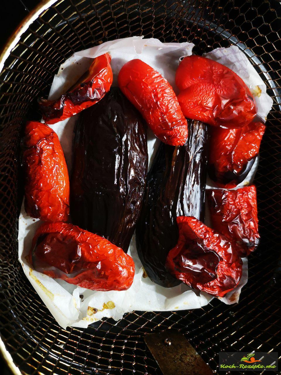 Heißluftfriteuse mit Paprika und Aubergine 30 Minuten backen
