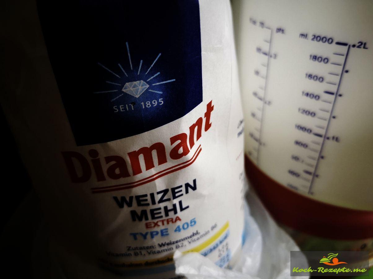 Weizenmehl, 175 ml kaltes Wasser und Öl