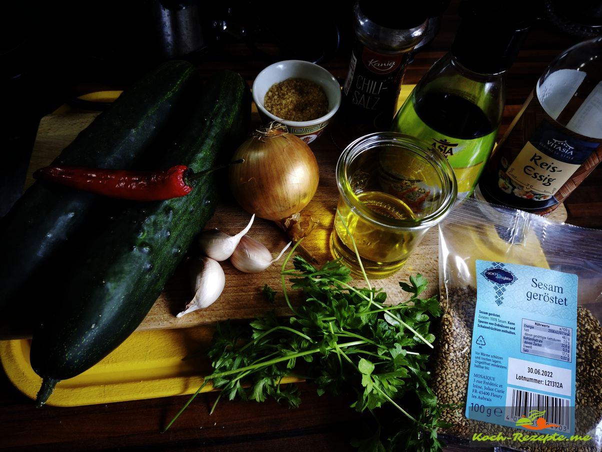 Zutaten für koreanischer Gurkensalat