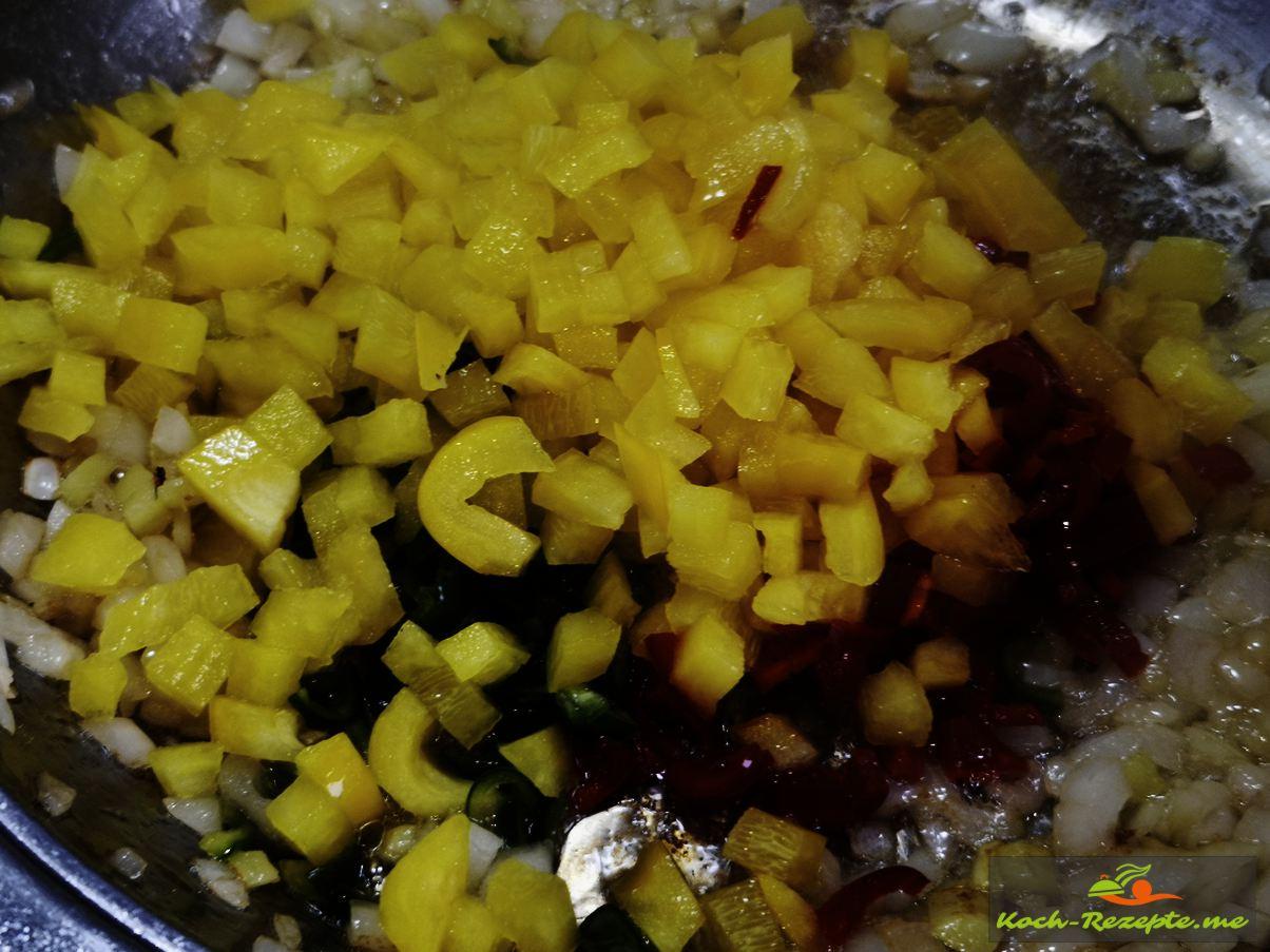 Paprika unterheben Laap Gai Rezept, Hähnchensalat